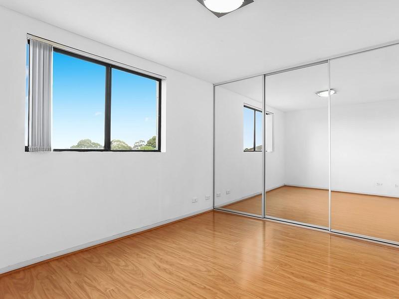 Room For Rent In Hurstville
