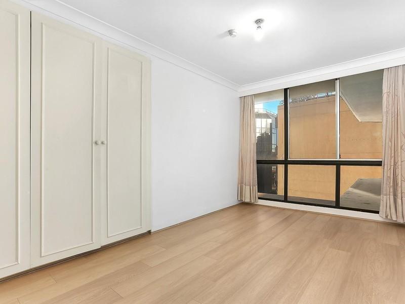 Studio Room To Rent Strathfield