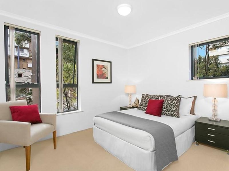 307 8 freeman road chatswood apartment sold mcgrath estate agents. Black Bedroom Furniture Sets. Home Design Ideas