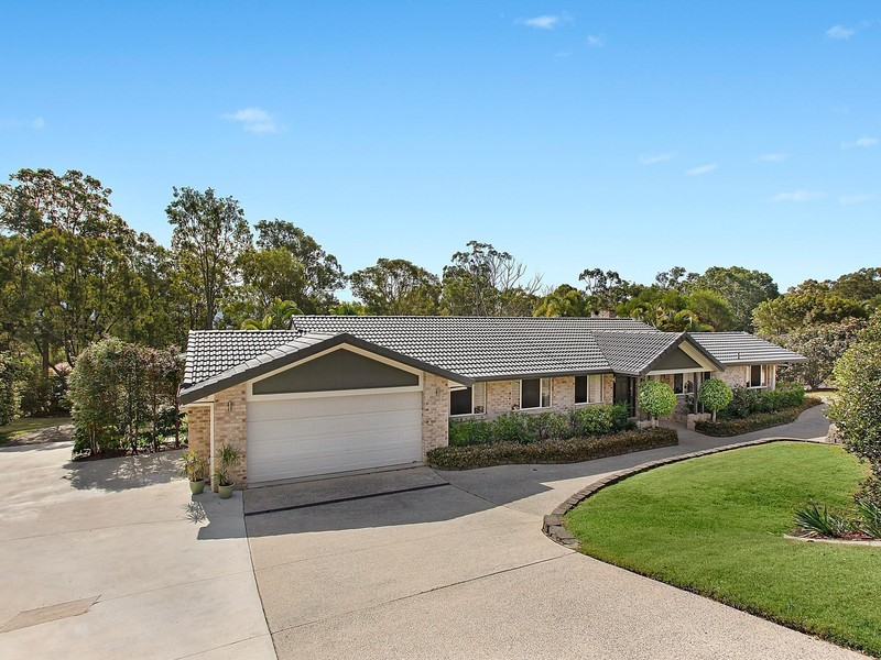 Brochure For 36 Clarence Drive Helensvale QLD