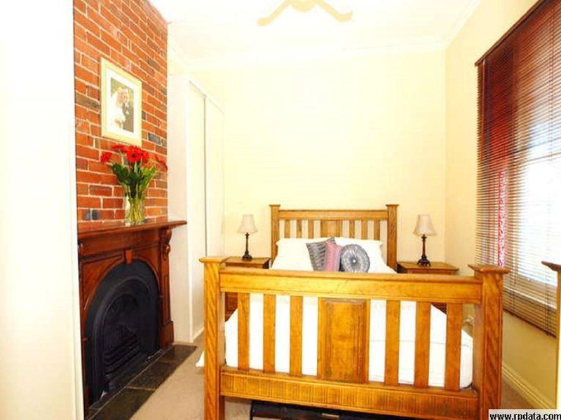 Rent A Unit Or Studio Type Room In West Melbourne