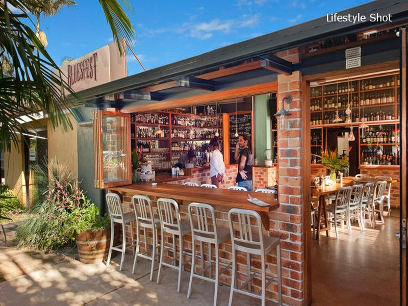 16 21 cemetery road byron bay townhouse sold mcgrath for The balcony bar restaurant byron bay nsw