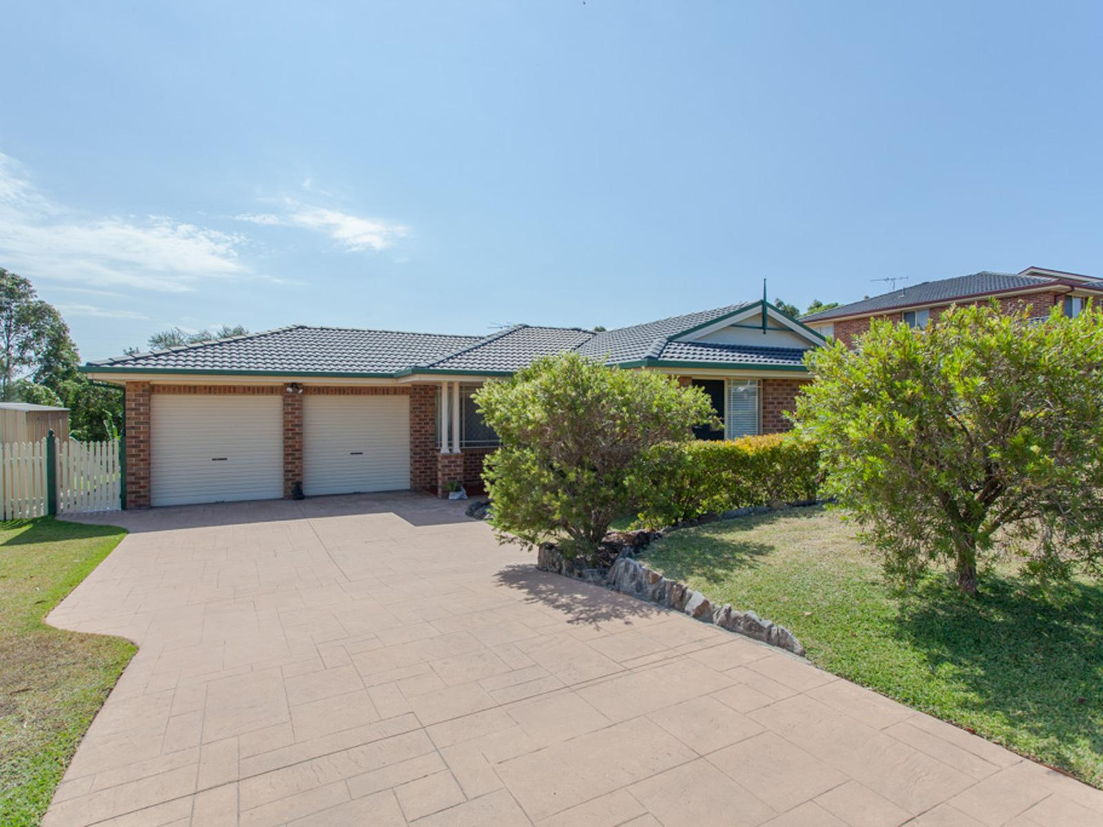 Brochure For 14 Bakeri Circuit Warabrook NSW