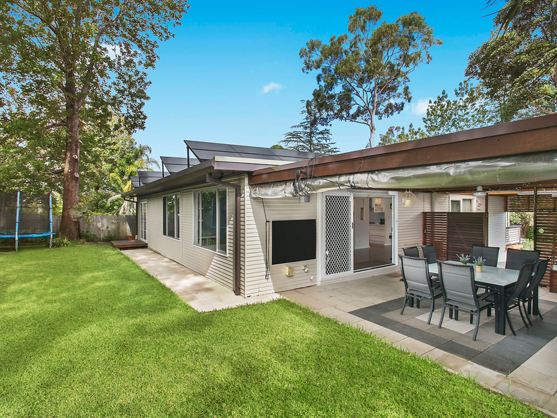12 kirkwood avenue north epping house sold mcgrath for Outdoor living kirkwood