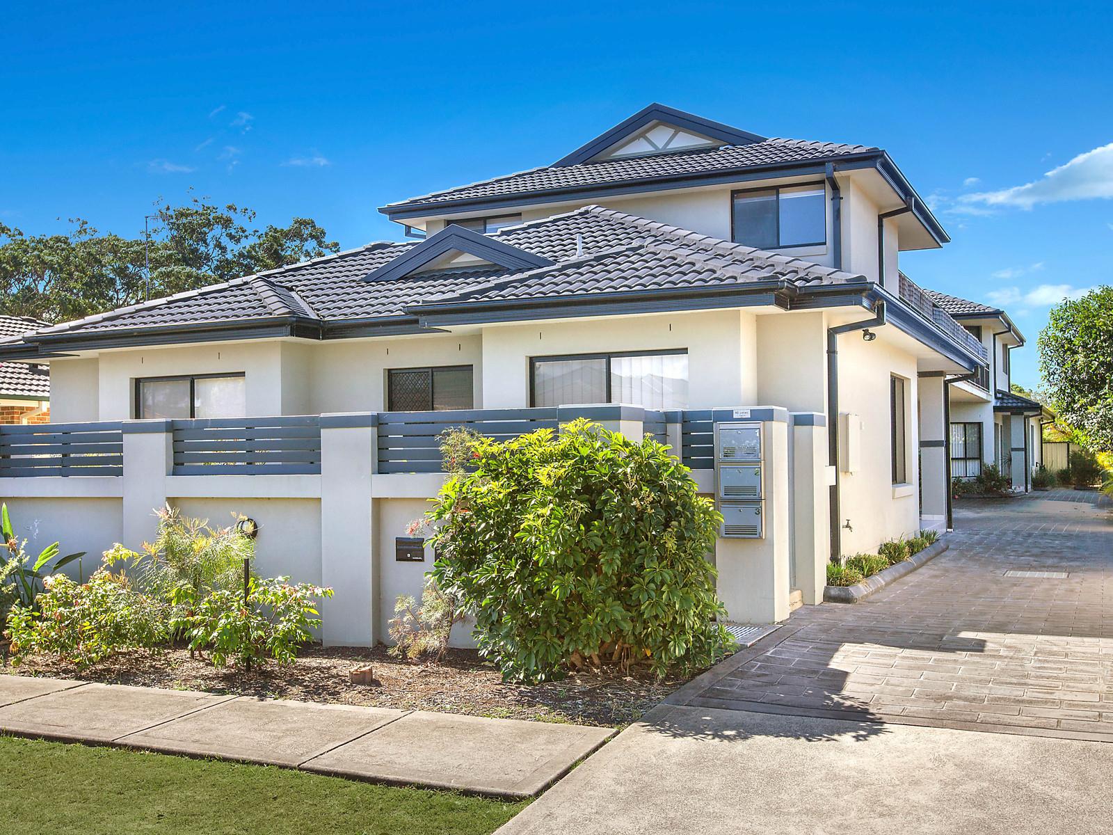 Brochure for 3 1 warrah street ettalong beach nsw for Beach house designs central coast nsw