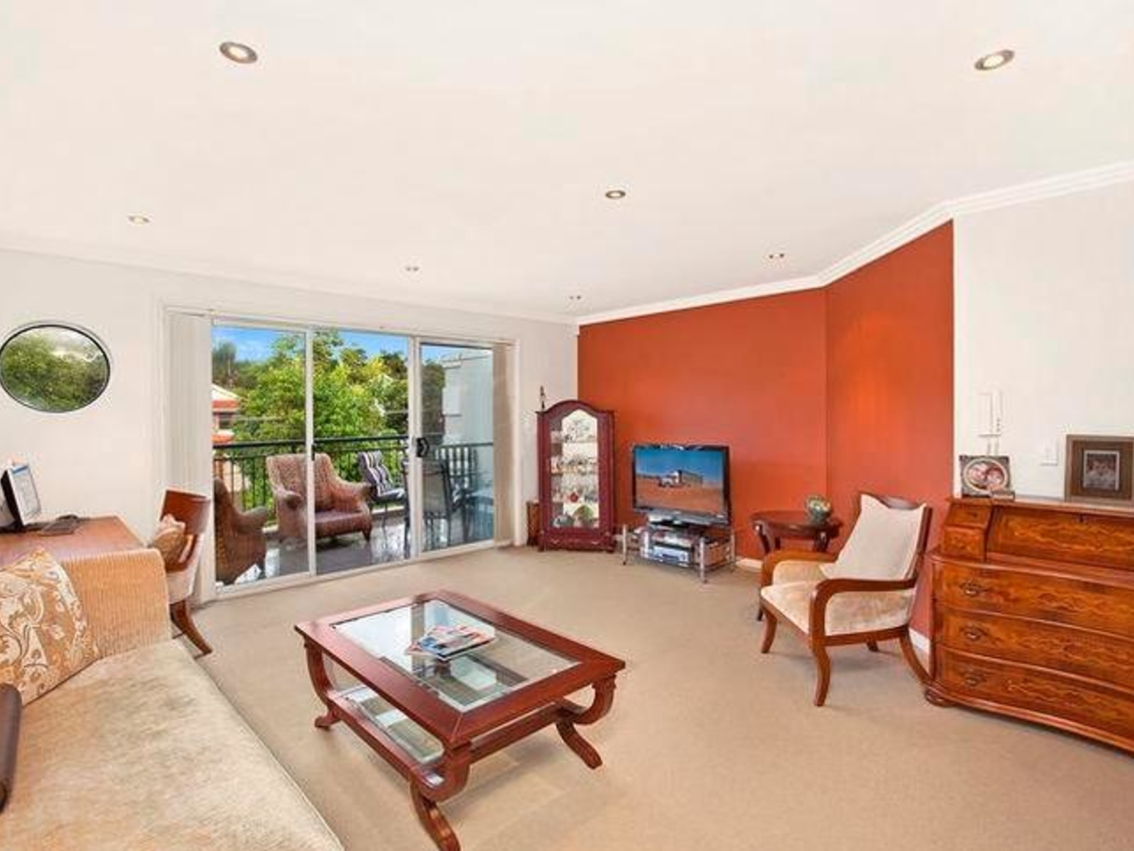 Brochure for 11 32 banksia street dee why nsw for Why buy an apartment