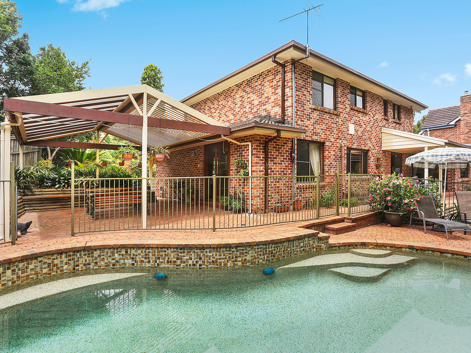 Brochure For 18 Wintergreen Place West Pennant Hills Nsw