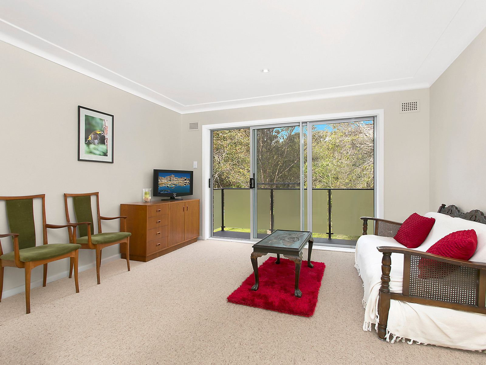 2 35 Hawkesbury Avenue Dee Why Apartment Sold Mcgrath